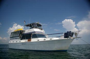 Gulfstar 44 Motor Cruiser - Cruising on the Sandy Hook